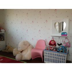 Dětský nábytek Life Time, židlička Vitra.jpg