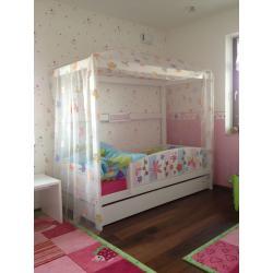 Dětská postel s nebesy Life Time.jpg