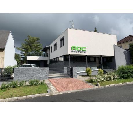 Interiér firmy ADC SYSTEM včetně bytu